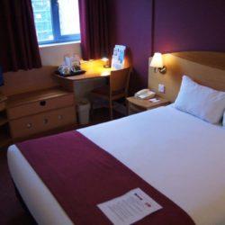 ANGAJAM CAMERISTE HOTEL CENTRUL LONDREI