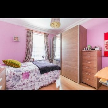 Chirii in Ilford, Stratford, East Ham - King Size, Duble si Loc in camera