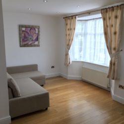 Disponibil imediat Apartament 2 Dormitoare - Hendon Central