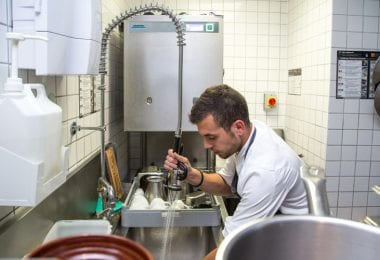 Spalatori de vase si supervisor de noapte - hoteluri in Londra UK