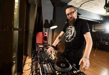 DJ profesionist cu atestat recunoscut international