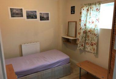 Camera Single pentru o fata in Plaistow - Stratford E13