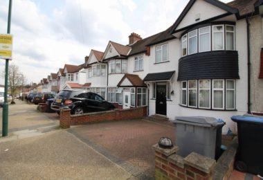 Casa cu 3 dormitoare in Queensbury Londra HA8