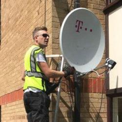 Antene Satelit Londra UK - Cel Mai Bun Raport Pret / Calitate