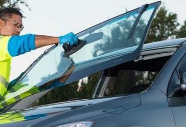 Auto service Expert car glass monteaza parbrize auto Londra