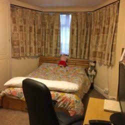 Camera doubla de inchiriat in zona Edgware/Burnt Oak intr-o casa curată și spațioasă.