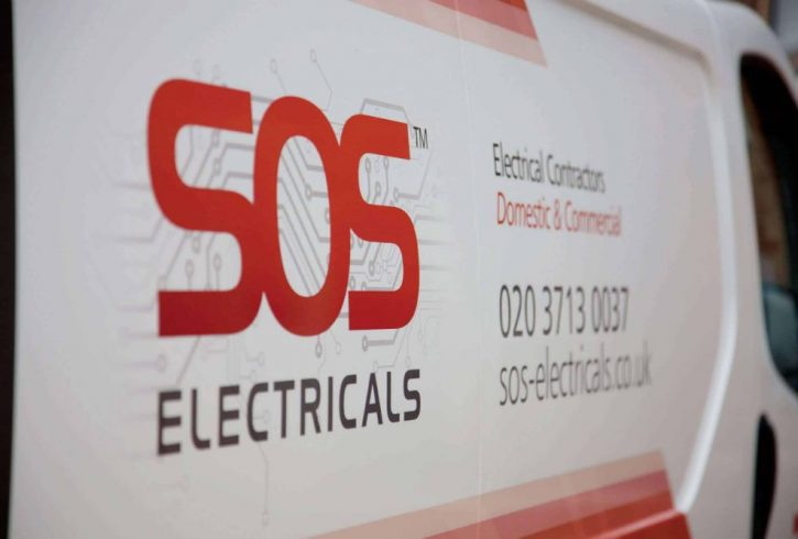 Angajam electrician cu experienta Londra NW4